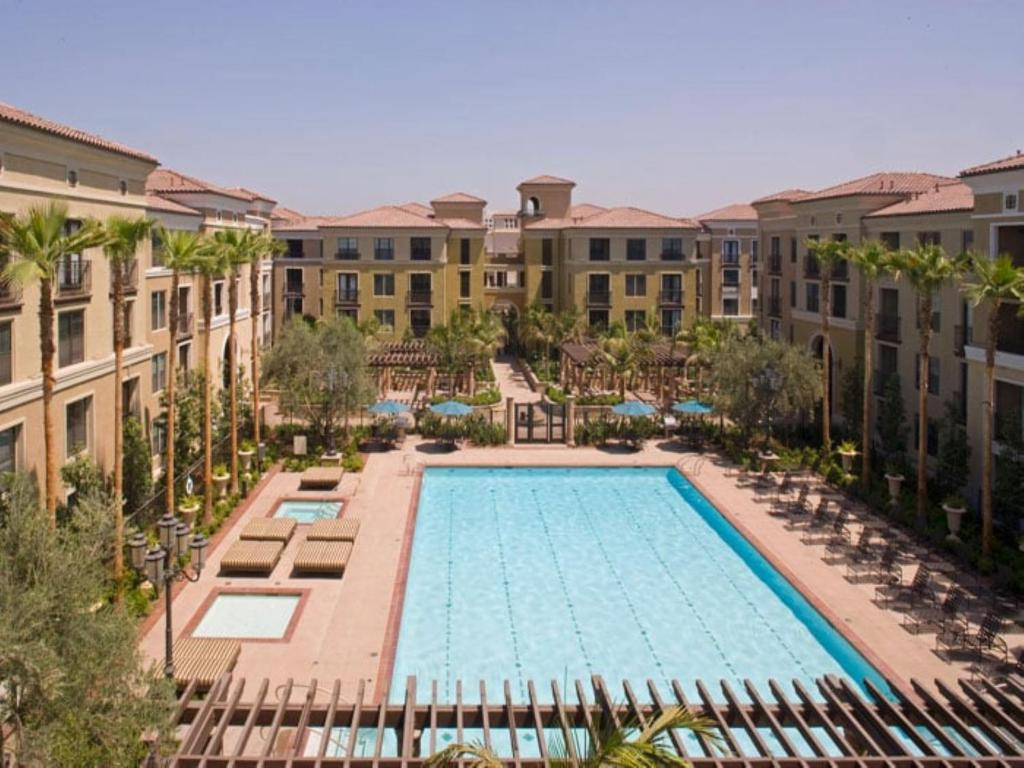 Global Luxury Suites at The Village, Irvine, CA - Booking.com