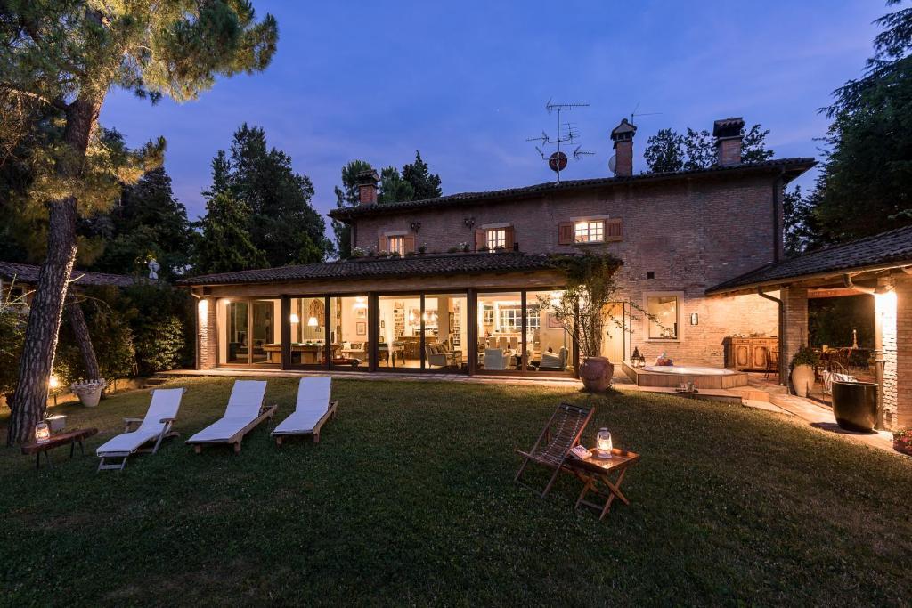 Villa monte quercione zola predosa italy for Hotel a zola predosa