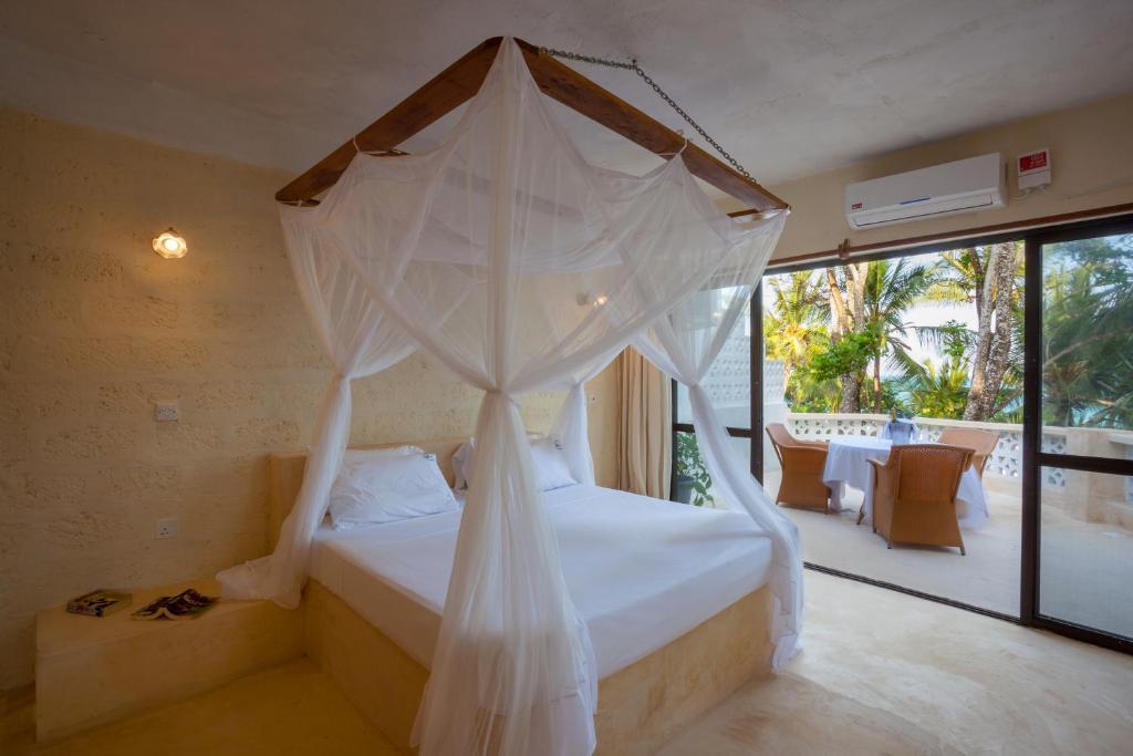 Bagni Blue Marlin Levanto : Blue marlin beach hotel diani beach u prezzi aggiornati per il