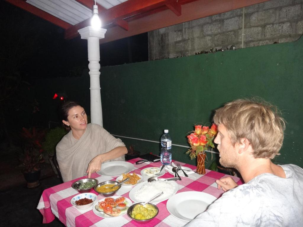 Dinesh Restaurant & Guest House