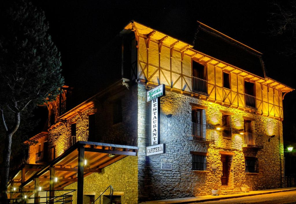 Hotel Esther (Spanje La Virgen de la Vega) - Booking.com