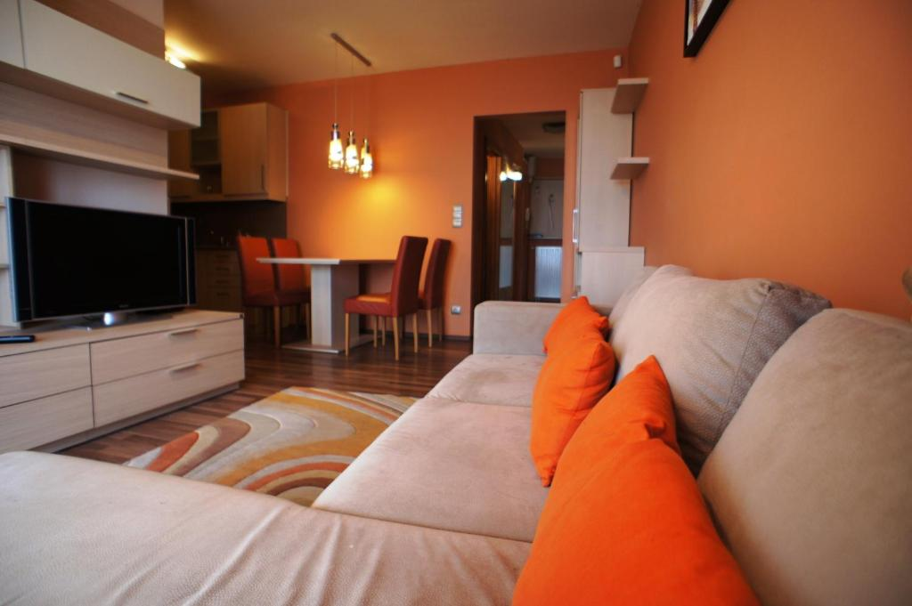 siofok single guys 2-3nt nostra hotel, siófok a lake balaton  single-occupancy: 4 200 huf/person  the town is home to the exceptional men's handball club team of .