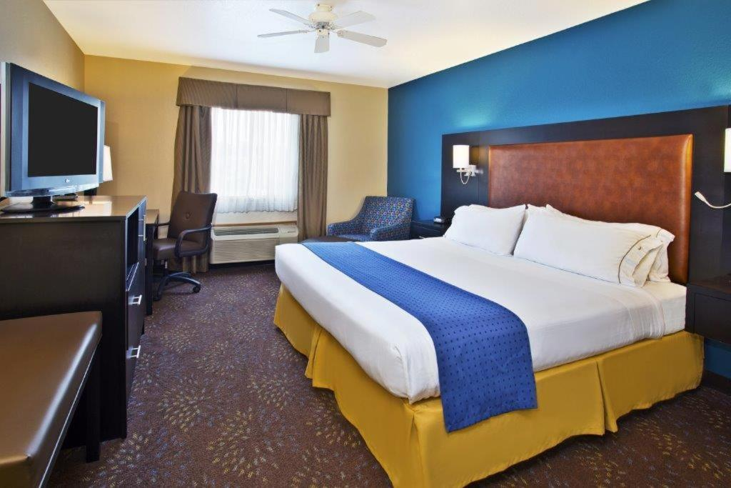 Holiday Inn Mackinaw City Mi Booking Com