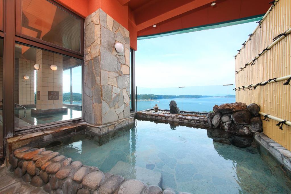 ポイント3.最上階からの景色が美しい大浴場