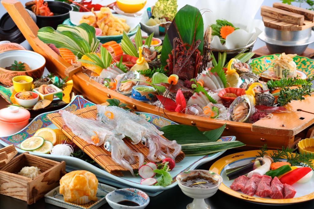 ポイント1.豪華な海の幸が勢揃い!絶品コース料理