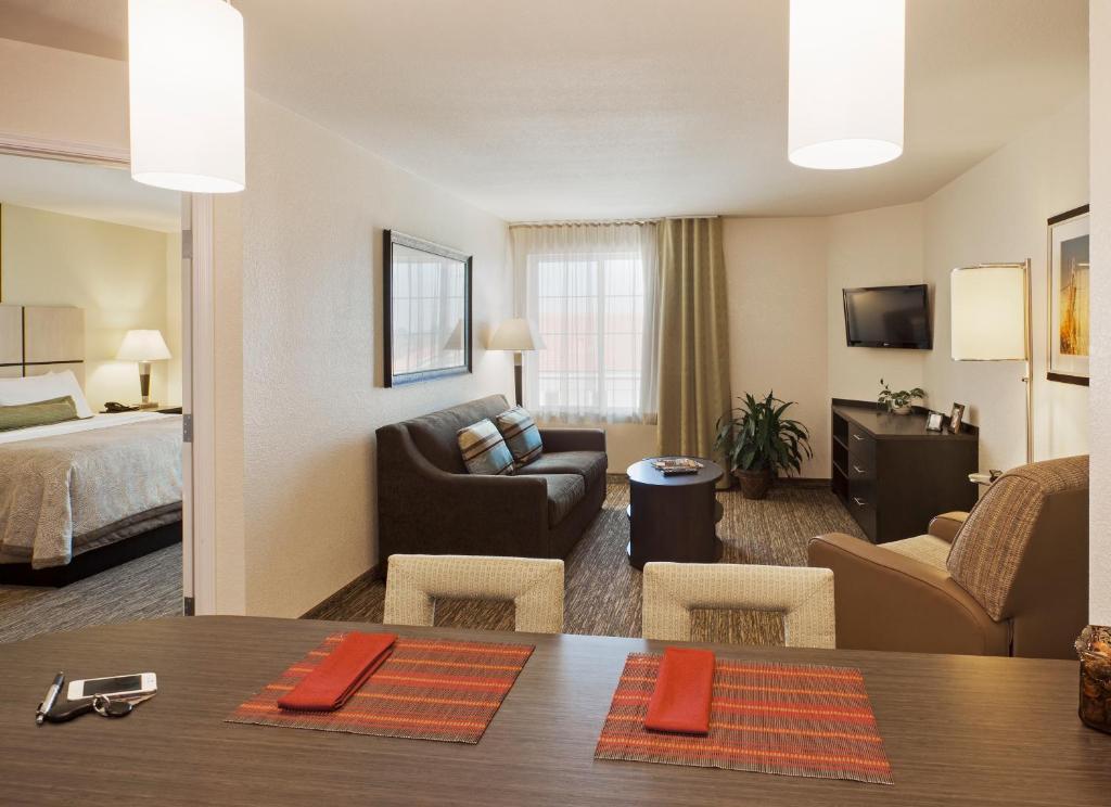 Hotel Candlewood Baton Rouge LA