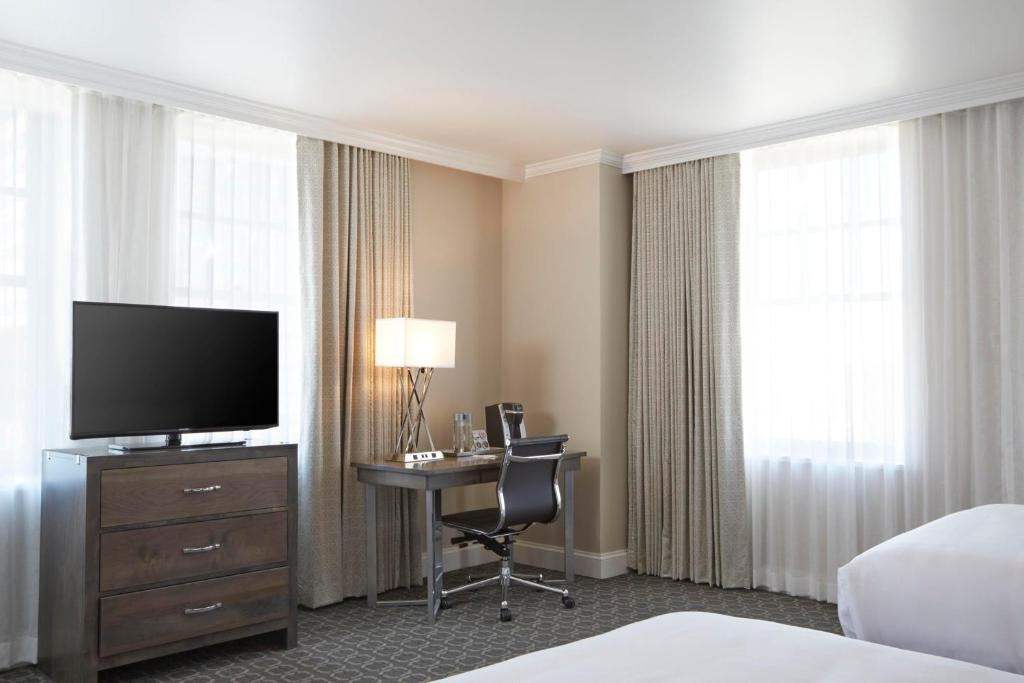 Redmont Hotel Curio Collection Birmingham Al Booking Com
