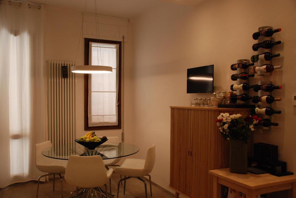 Casa del materasso bologna anteprima materasso with casa for Guccini arredamenti