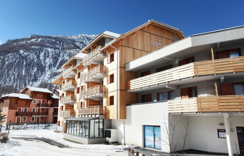 r 233 sidence odalys aquisana la salle les alpes booking