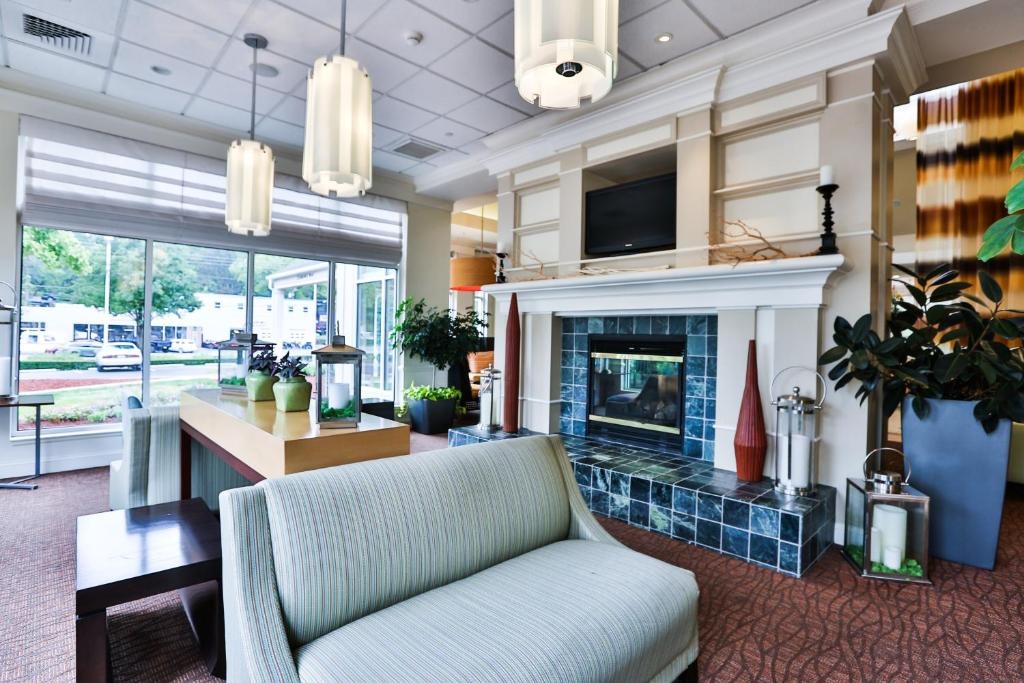gallery image of this property - Hilton Garden Inn State College