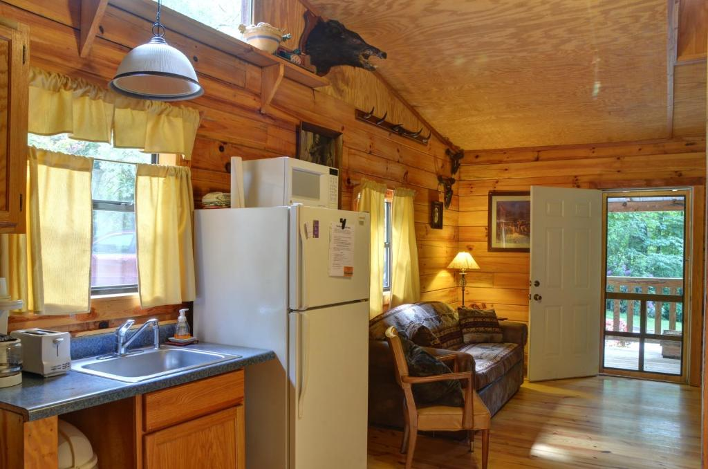carolina cabins sale cherokee smoky by park owner mountain for nc log mountains great rentals national north cabin