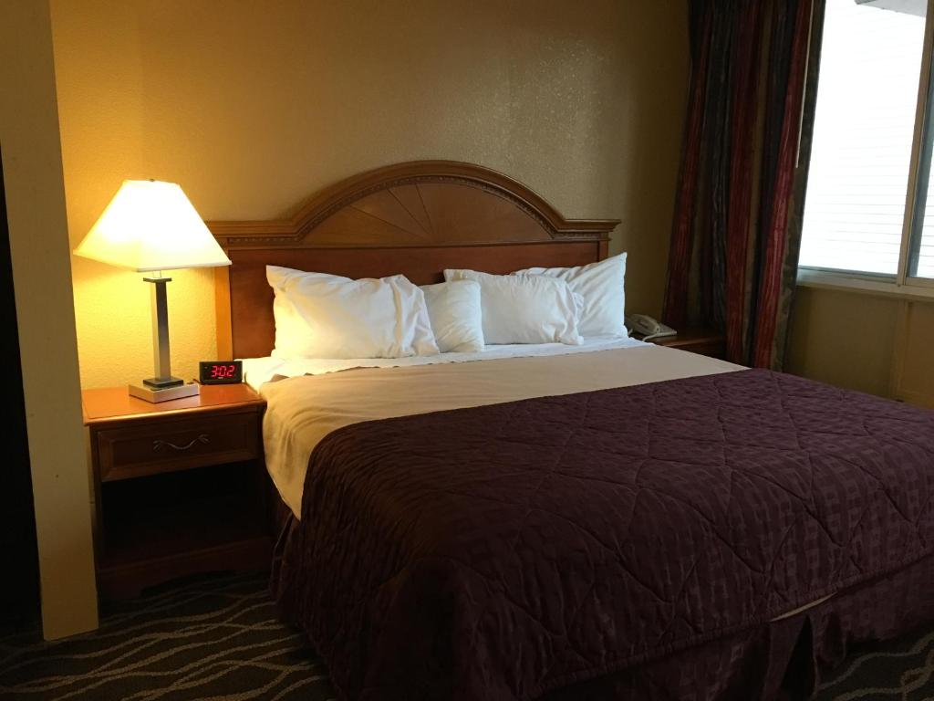 suburban extended stay hotel fort wayne in booking com