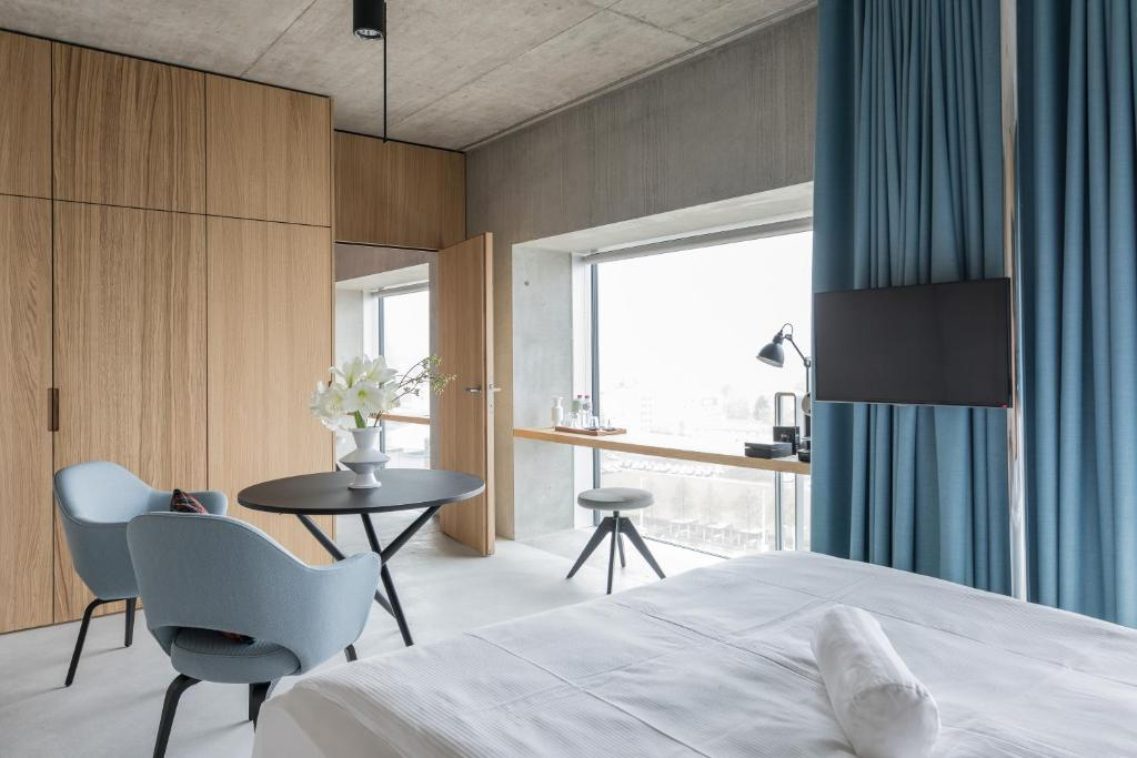 Placid hotel design lifestyle zur zurich switzerland for Hotel design schweiz