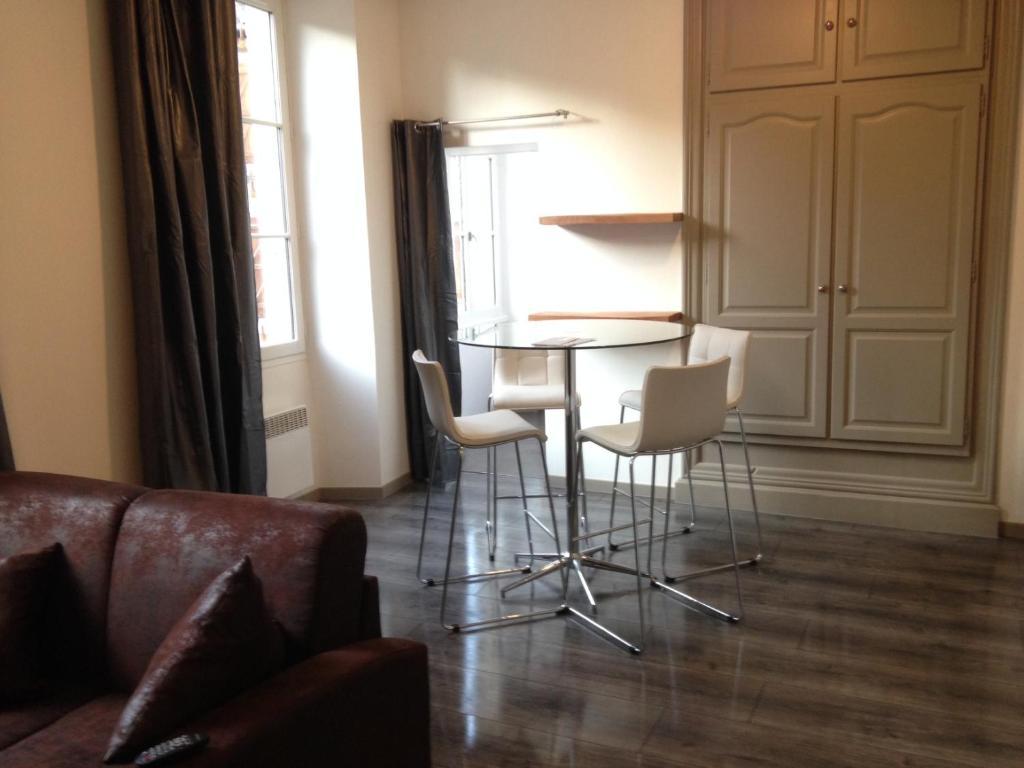 Apartments In Peyrusse-le-roc Midi-pyrénées