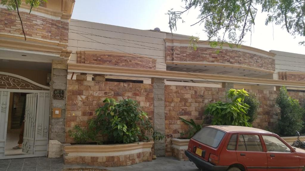 Rest house for dating in karachi