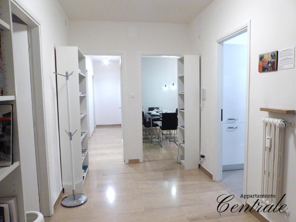 Appartamento centrale trento trento prezzi aggiornati for Foto appartamenti ristrutturati moderni