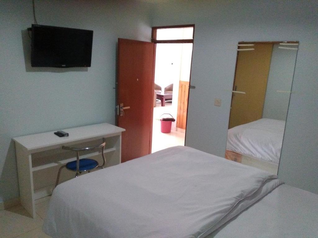 guest house rumah syariah kolam renang bugenv bandung indonesia rh booking com