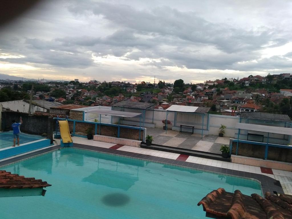 Rumah Syariah Kolam Renang Bugenville Bandung