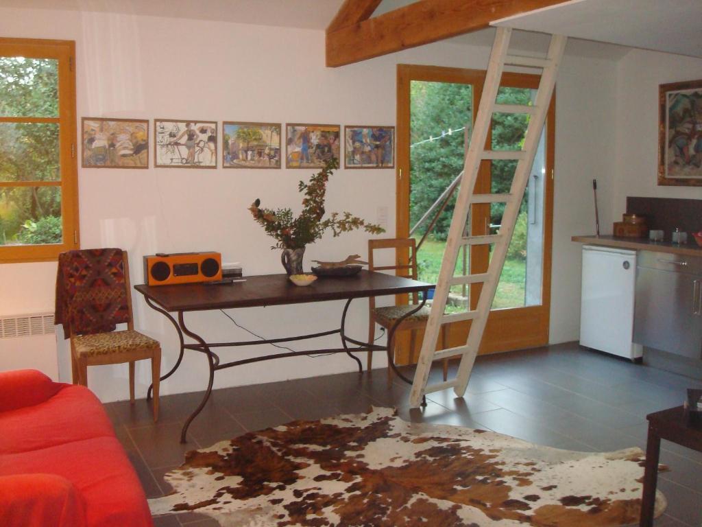 jardin et maison +10 photos. Close ×. Petite maison et jardin ...