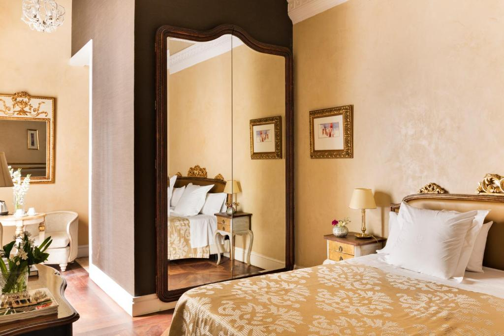 boutique hotels in sevilla  266