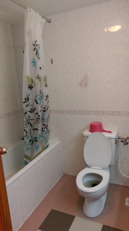 Curtains Ideas apt 9 shower curtain : DIY Homestay Apt @ EQ Hill Resort, Brinchang, Malaysia - Booking.com