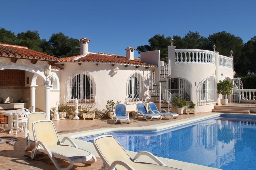 Sunny Villa in Moraira fotografía