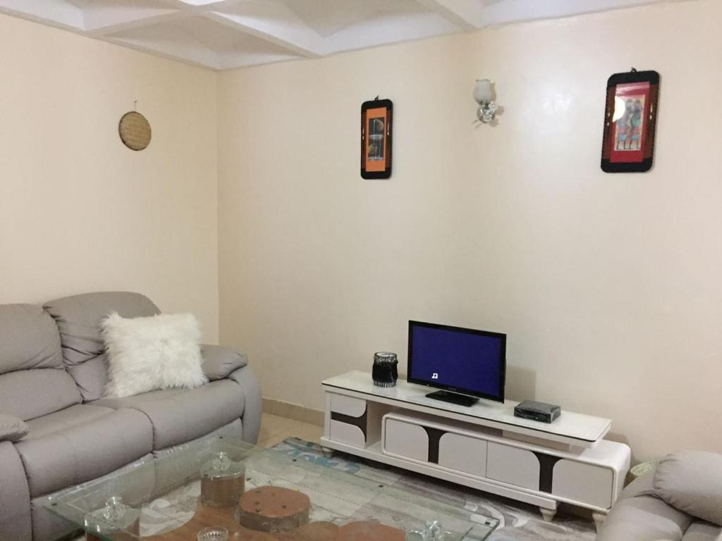 Angels Apartment Kiambu Kenya Booking Com # Meuble Tv D'Angle Salvador