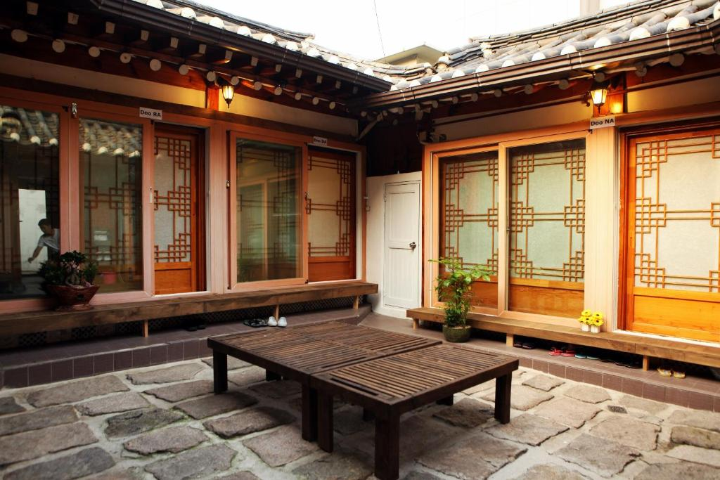 Doo Hanok Guesthouse, Seoul, South Korea - Booking.com on