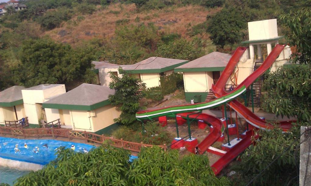 Pali Beach Resort Uttan Price