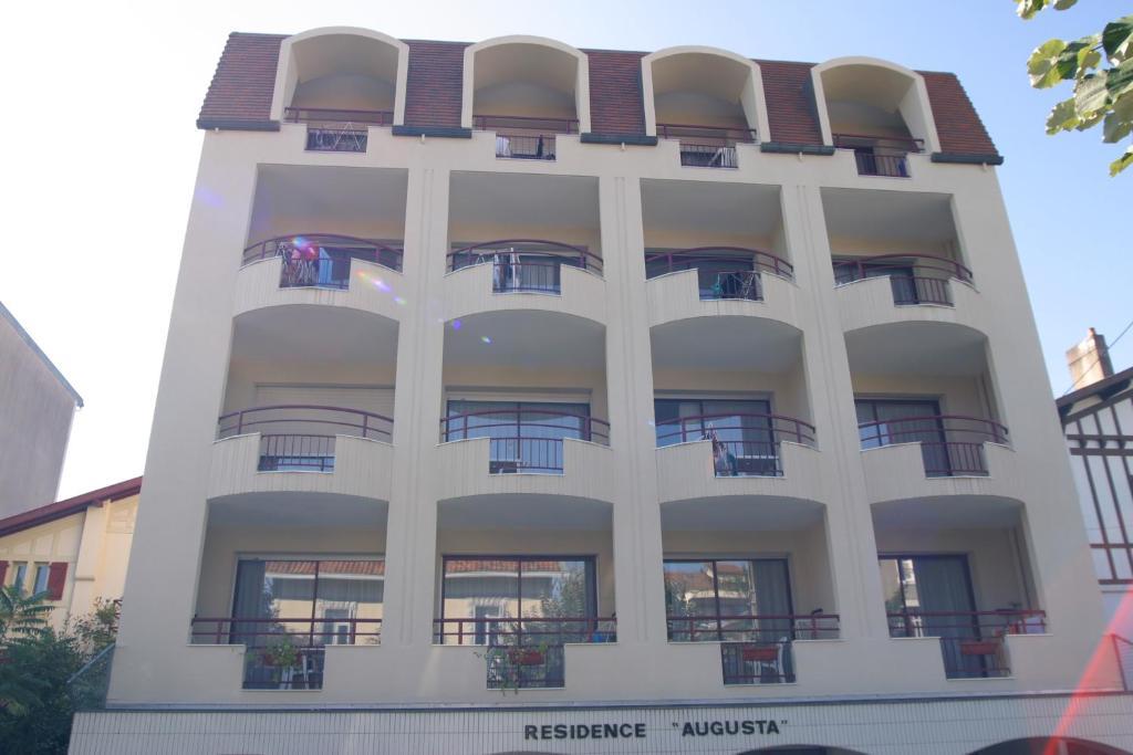 Apartments In Oeyreluy Aquitaine