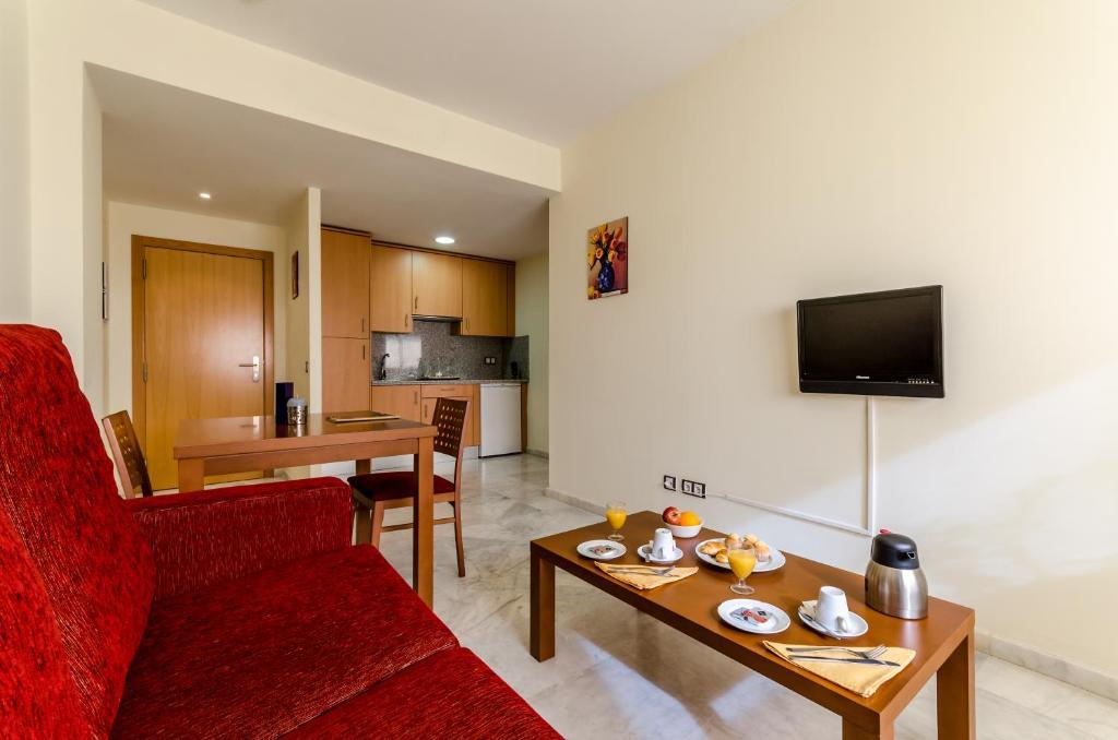 gran imagen de Apartamentos Turísticos Covadonga