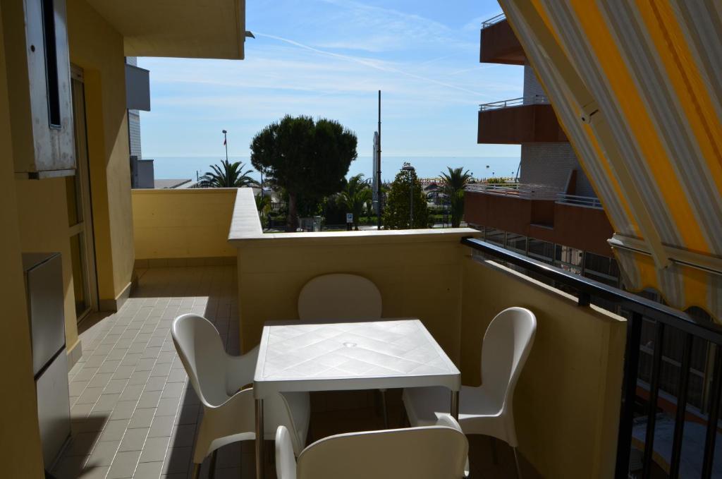 Appartamenti Riviera, Alba Adriatica, Italy - Booking.com