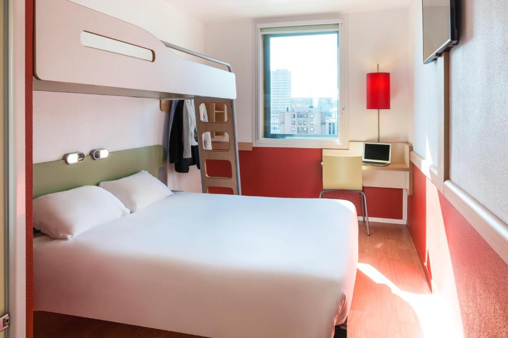 Hotel Ibis Budget Lyon Centre - Gare Part, France - Booking.com