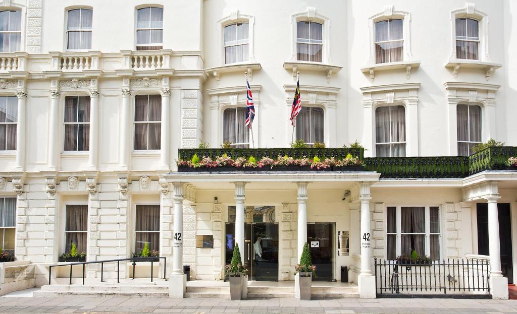 Apartments Near London