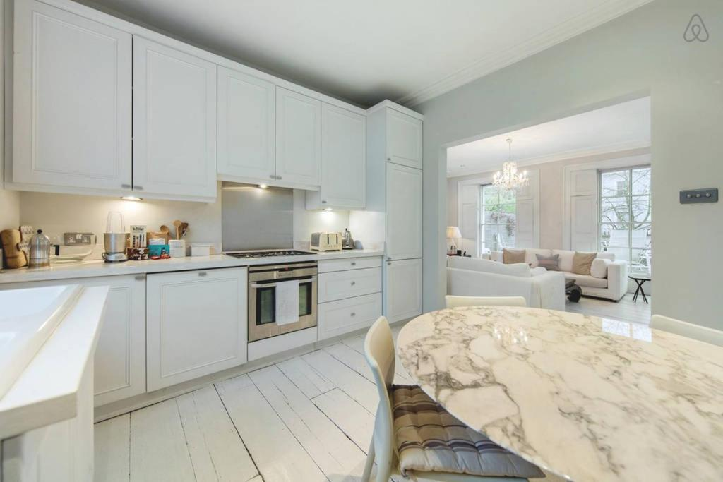 Apartment 2 Bed House Westbourne Grove London Uk Booking Com