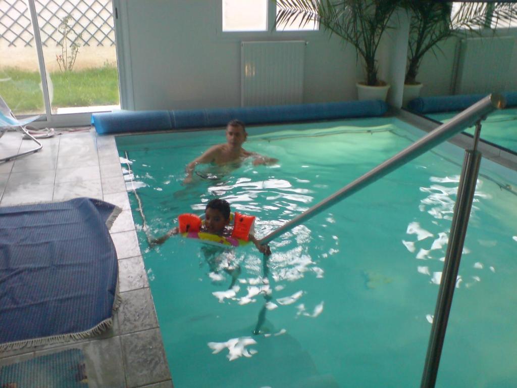G te avec piscine int rieure chauff e mauvezin tarifs 2018 - Gite pyrenees orientales avec piscine ...