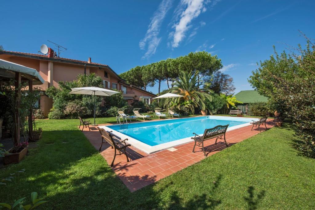 House on the coast of Viareggio