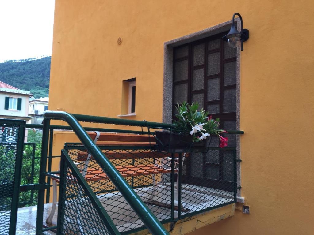 A balcony or terrace at A pochi passi dal mare