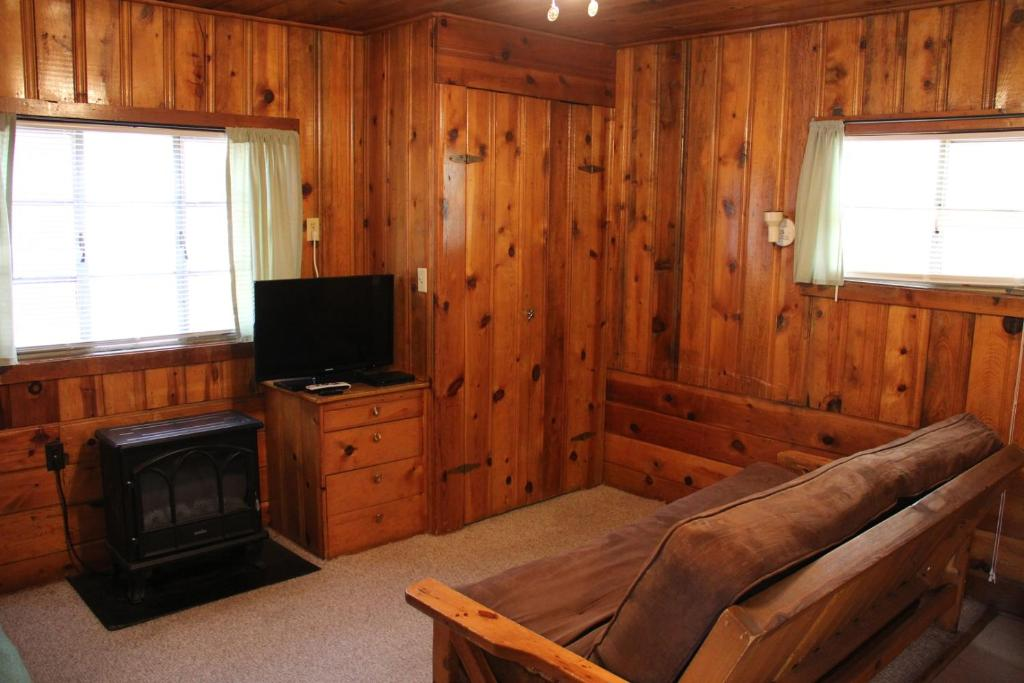 pinetop photo in pines exceptional the cabins of x show cabin az rent arizona low rentals for protected