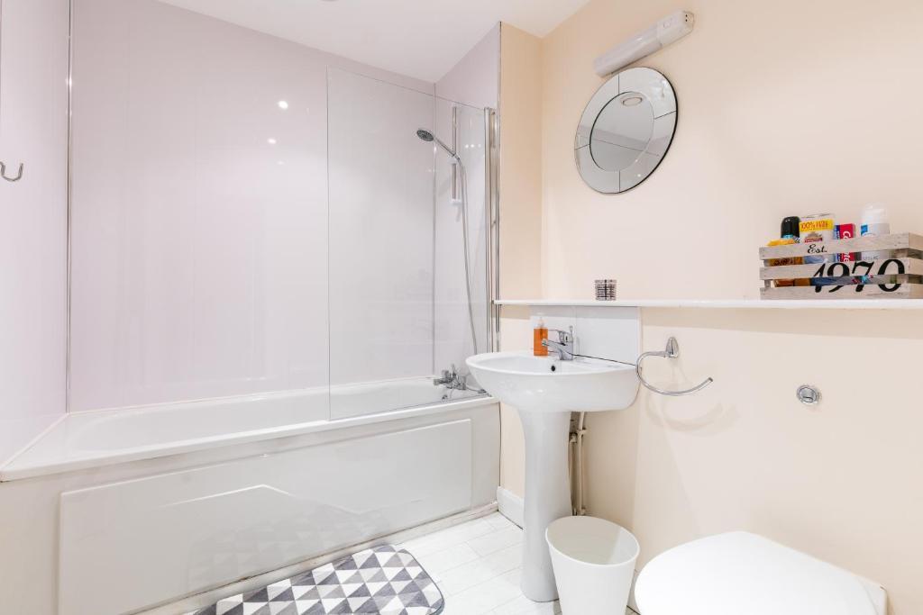 Ace Apartment Belfast UK Bookingcom