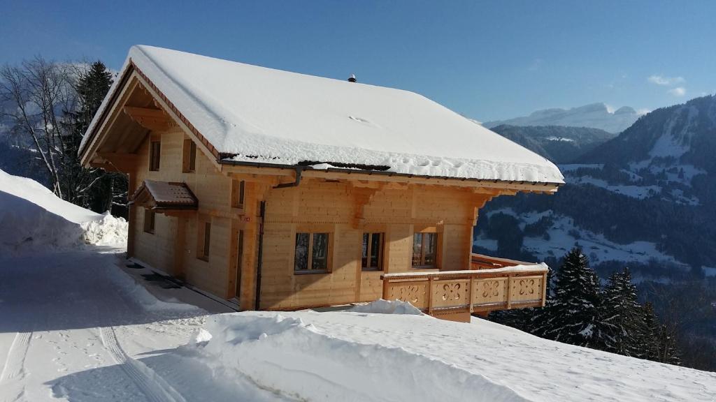 Ontdek het luxe chalet poppy in de alpen architectuur