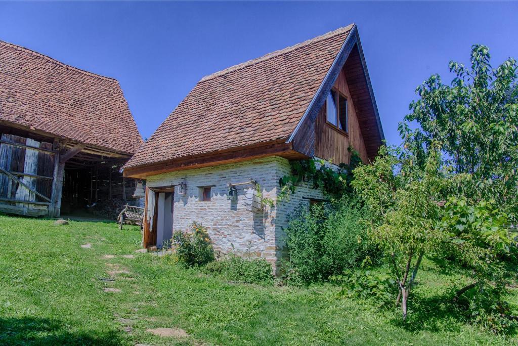 Dominic Boutique - Gardener\'s Cottage, Cloaşterf, Romania - Booking.com
