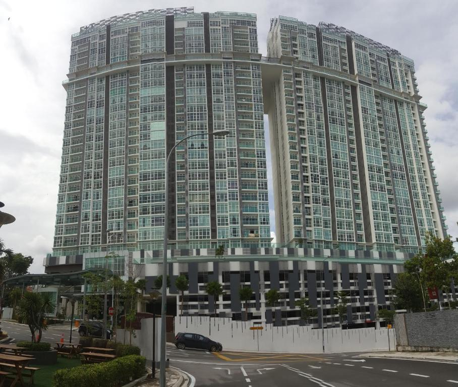 Paragon Apartments: Seaview Paragon Condo, Johor Bahru, Malaysia