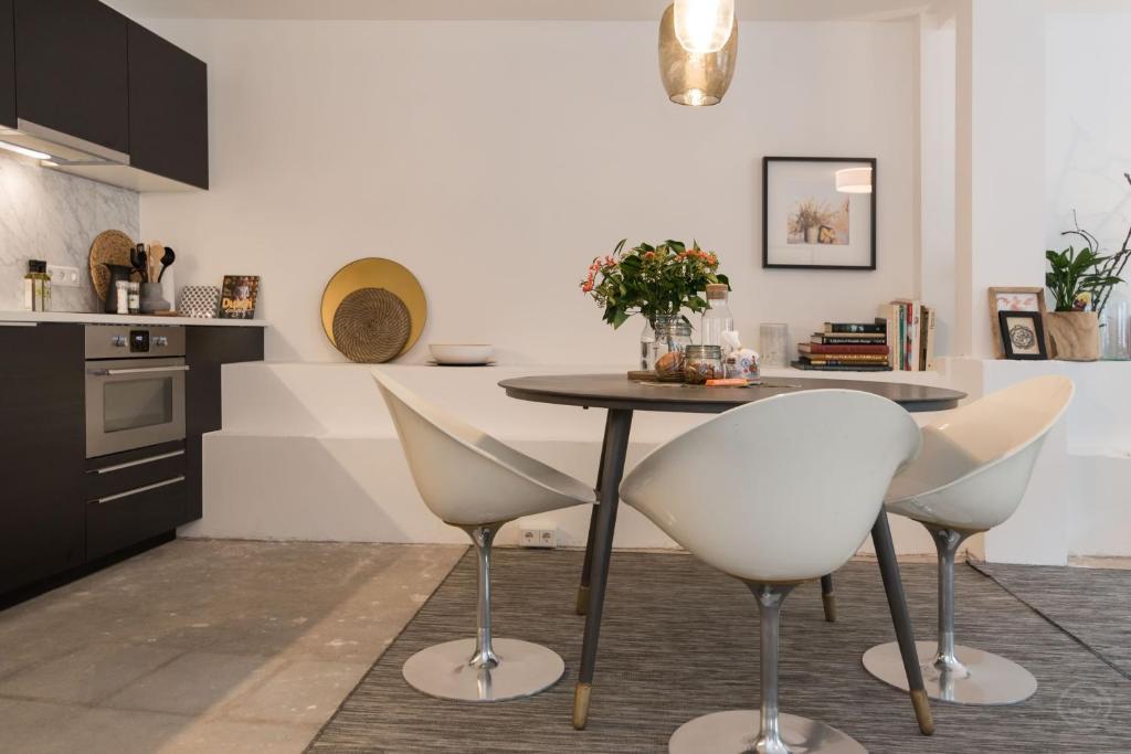 Verwarming Wordt Trendy : Bed breakfast trendy centre studio amsterdam nederland