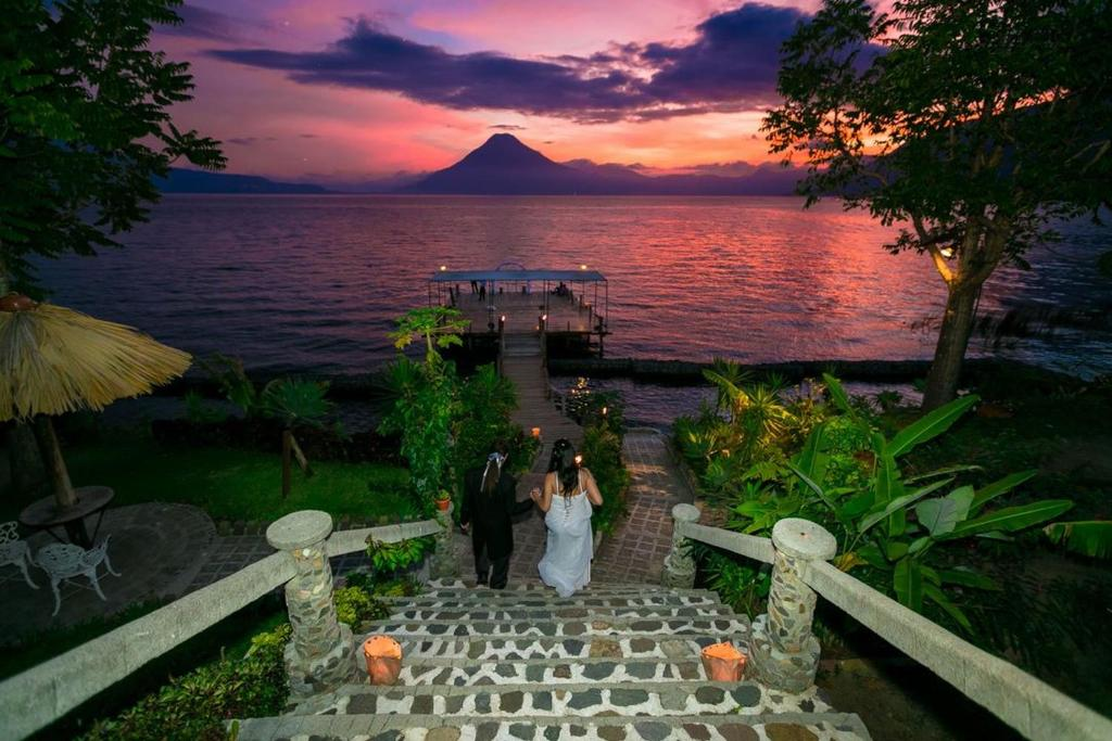 Hotel convenciones jardines panajachel guatemala for Lagos de jardin