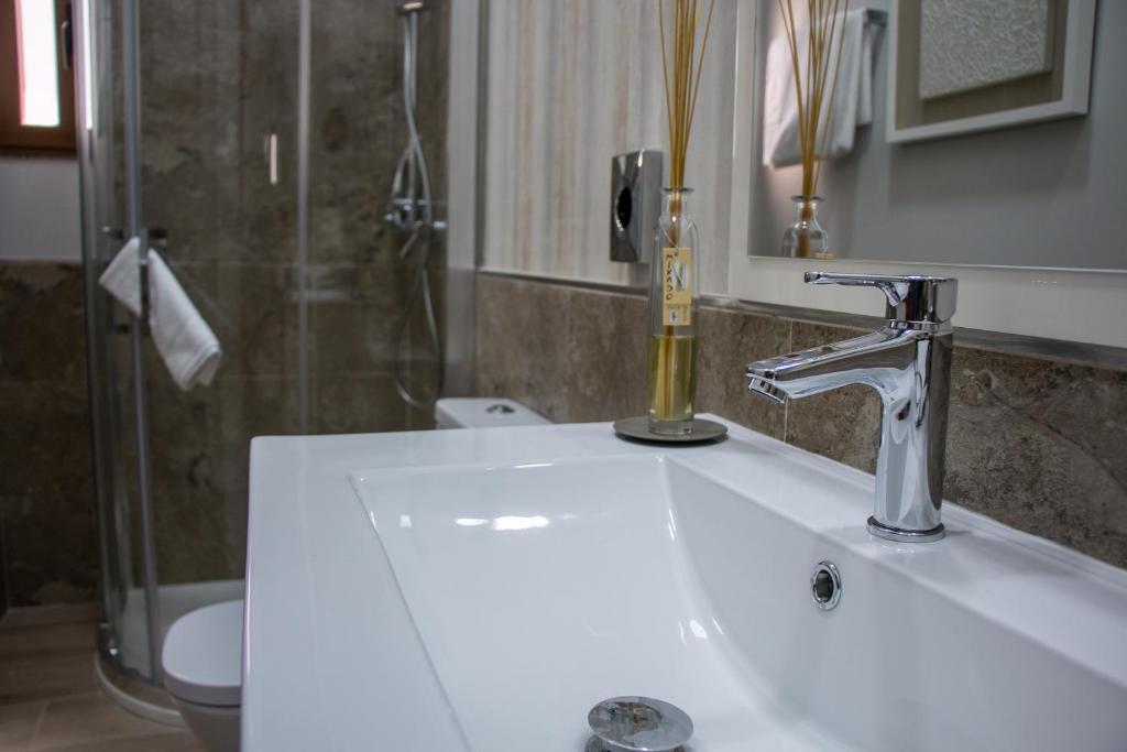 gran imagen de Apartamentos Elite Cuenca