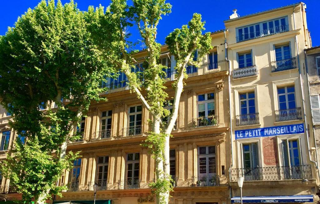 Les Suites du Cours Spa AixenProvence Updated 2018 Prices