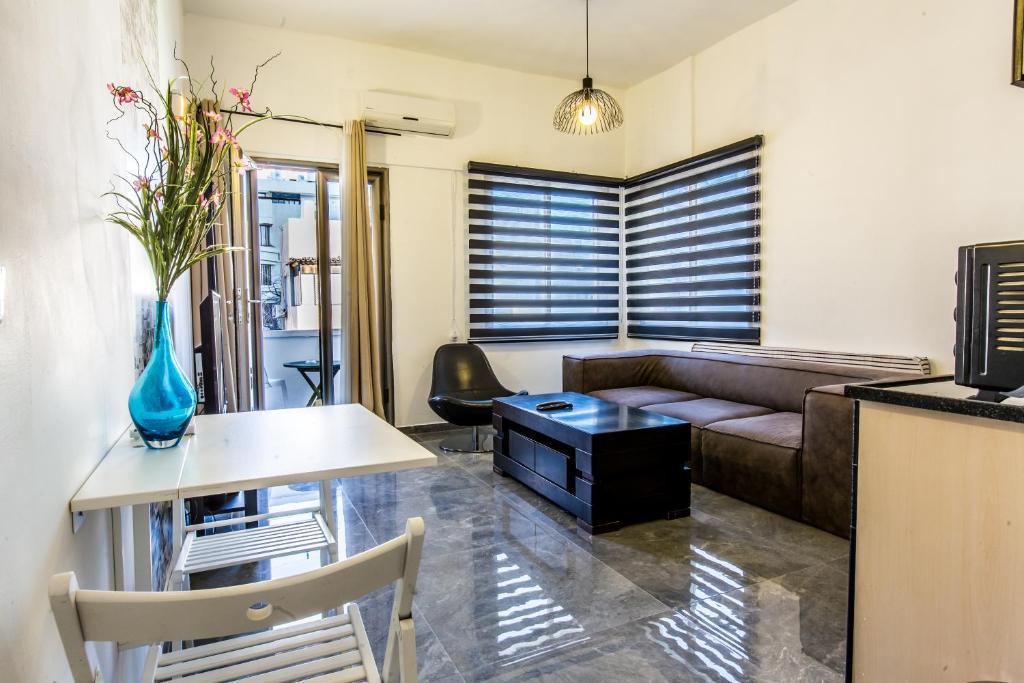 Sunset Beach Apartments (Israel Tel Aviv) - Booking.com