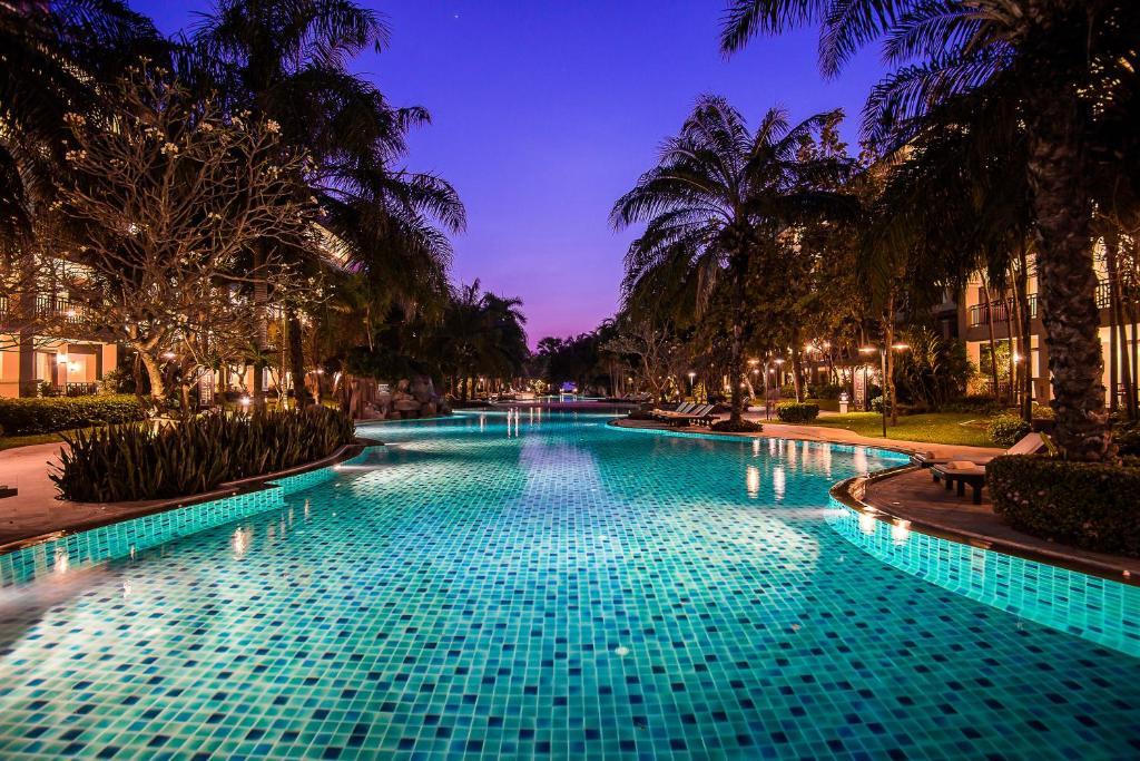Результат изображения для Ravindra Beach Resort & Spa