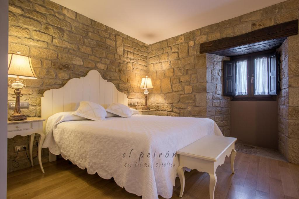boutique hotels in zaragoza  75